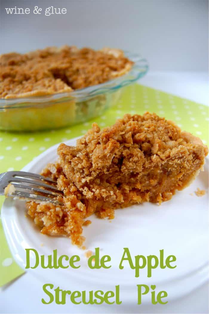 Dulce de Apple Streusel Pie