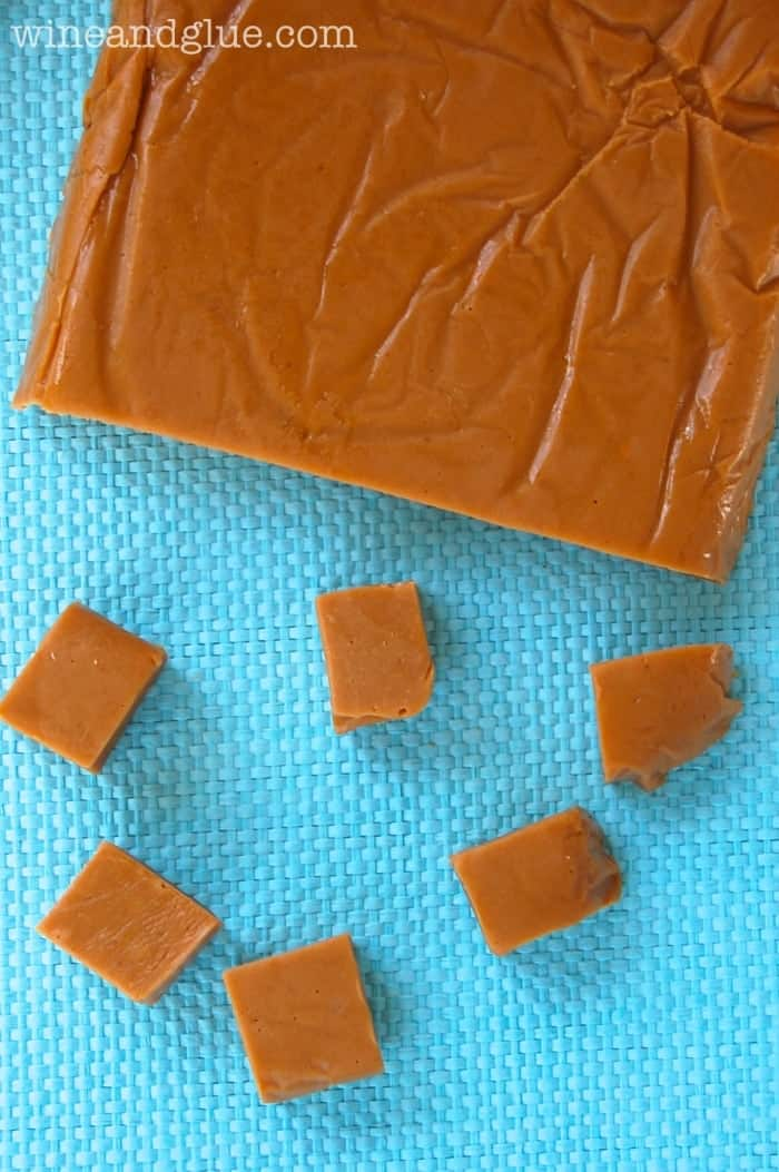 Cookie Butter Butterscotch Fudge!  This fudge is so delicious and so easy that it is a must make for your holiday season! via www.wineandglue.com