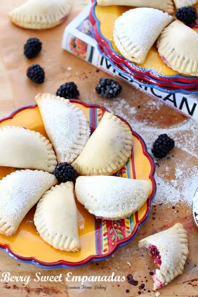 berry-sweet-empanadas-recipe-4