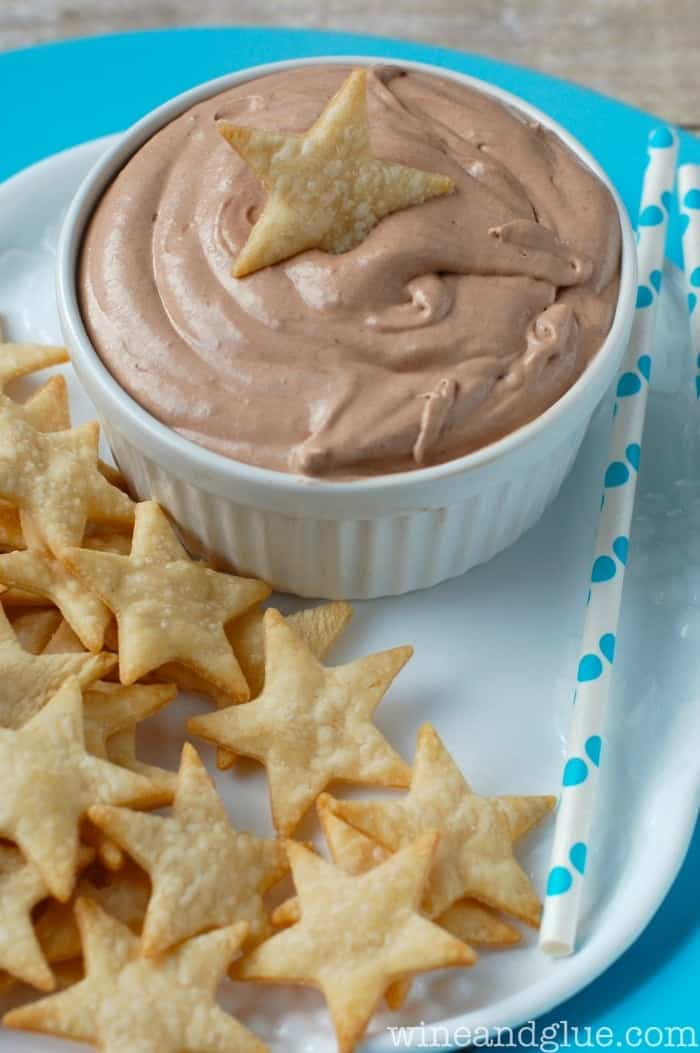 Skinny Banana Nutella Dip with Pie Crust Star Dippers | www.wineandglue.com