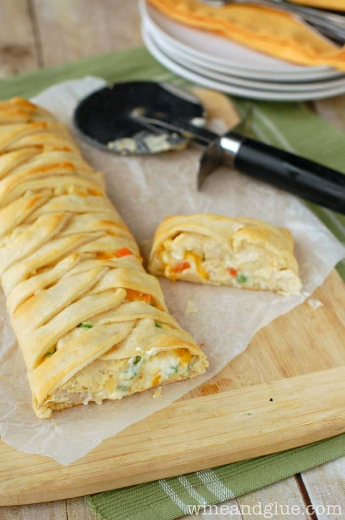 Chicken Pot Pie Crescent Braid | www.wineandglue.com | A super easy and delicious dinner all wrapped up in a gorgeous crescent braid!