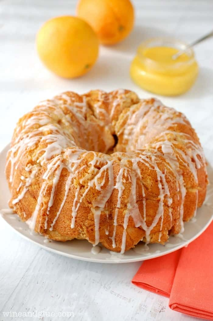 Orange Dream Monkey Bread | www.wineandlgue.com | The delicious taste of an orange dreamsicle in monkey bread form!