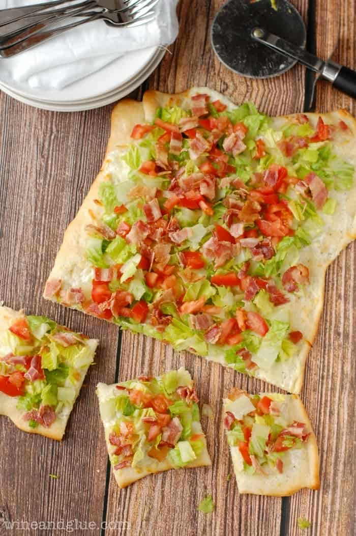 Ranch BLT Pizza | www.wineandglue.com | Ridiculously fast and easy and SUPER delicious!