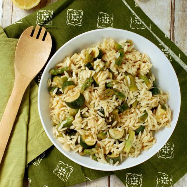 Orzo Pasta Salad with Asparagus and Zucchini - Wine & Glue