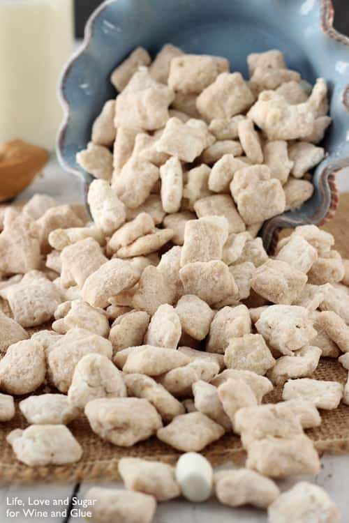 Fluffernutter Muddy Buddies {Guest Post from Life, Love, and Sugar}
