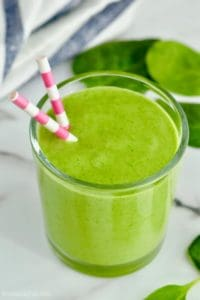 Only three easy ingredients for this green smoothie!