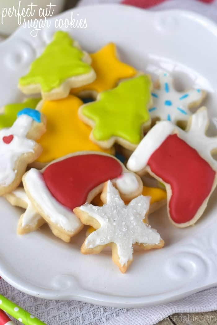 Perfect Cut Sugar Cookies & 100 of the best cookie recipes for Christmas | PasstheSushi.com