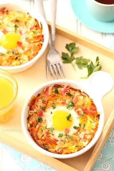 Baked Eggs in Cheesy HashBrown Bowls