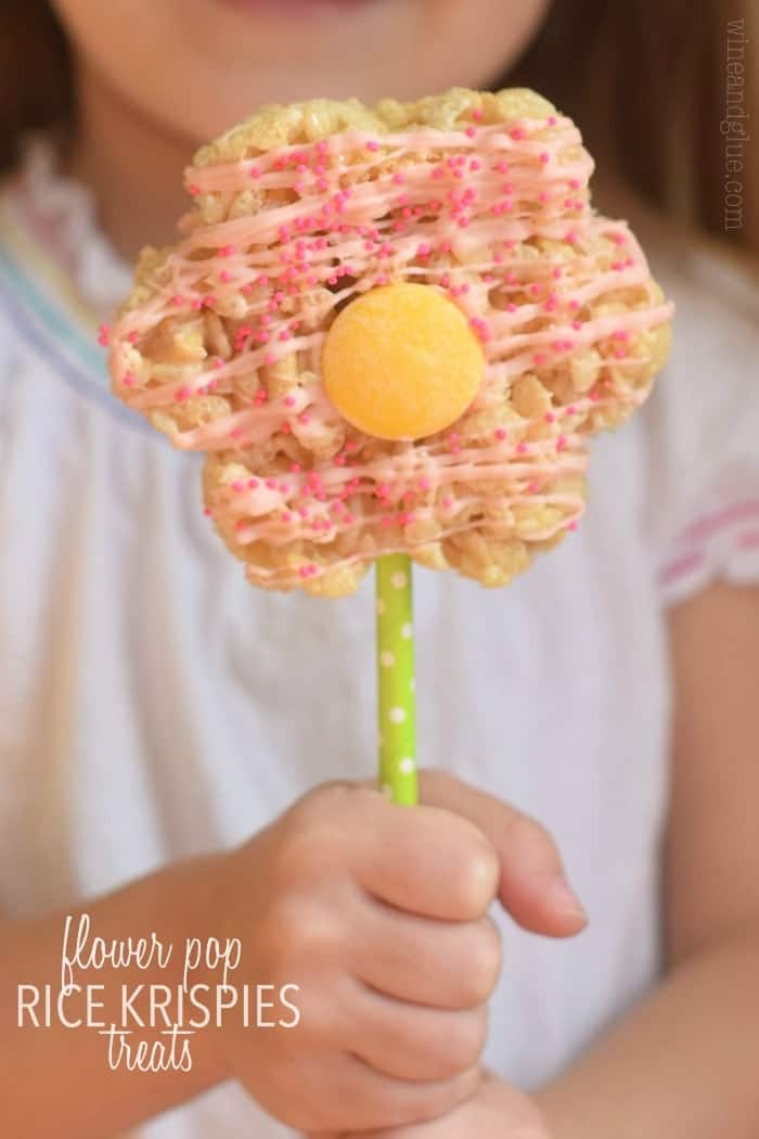 These Flower Pop Rice Krispie Treats are perfect for spring!