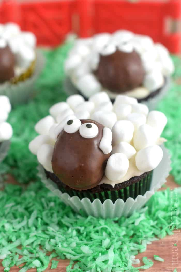 Sheep Cupcakes! Cute and unbelievably delicious!!