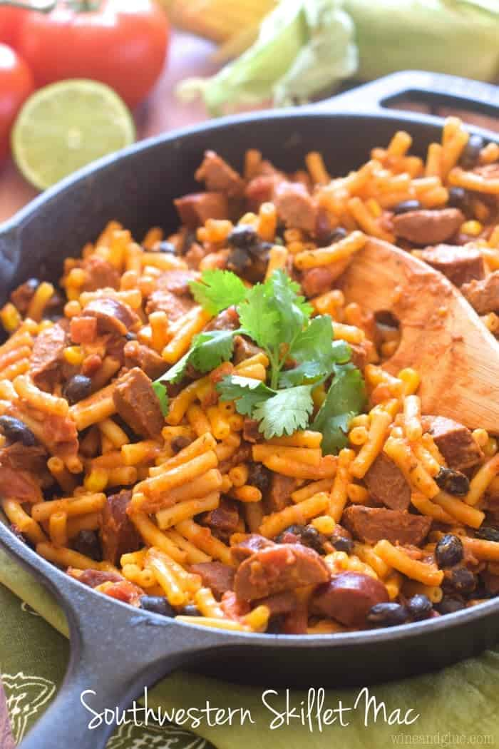 This Southwestern Skillet Mac is such an easy weeknight dinner and packed with flavor!  Thank you Horizon Organic for sponsoring this post!