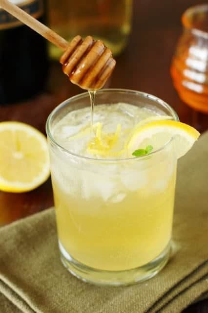 Mascato Bee's Knee's Wine Cocktail