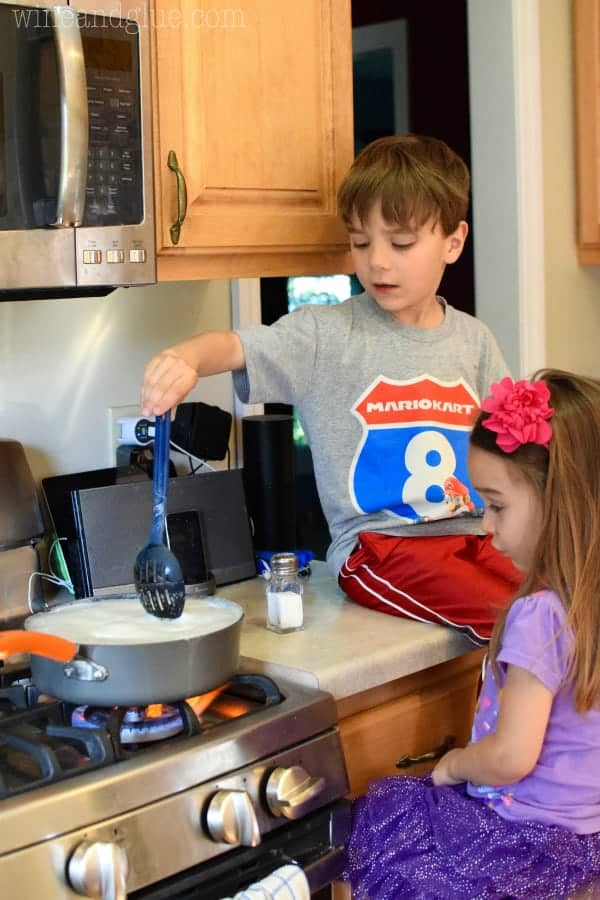 Five Tips for Cooking with Your Kids!  Simple little tips that make the time you spend in the kitchen with your kids a little more worthwhile.