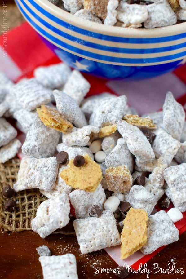 These S'mores Muddy Buddies are so easy to throw together but are such a fun treat!