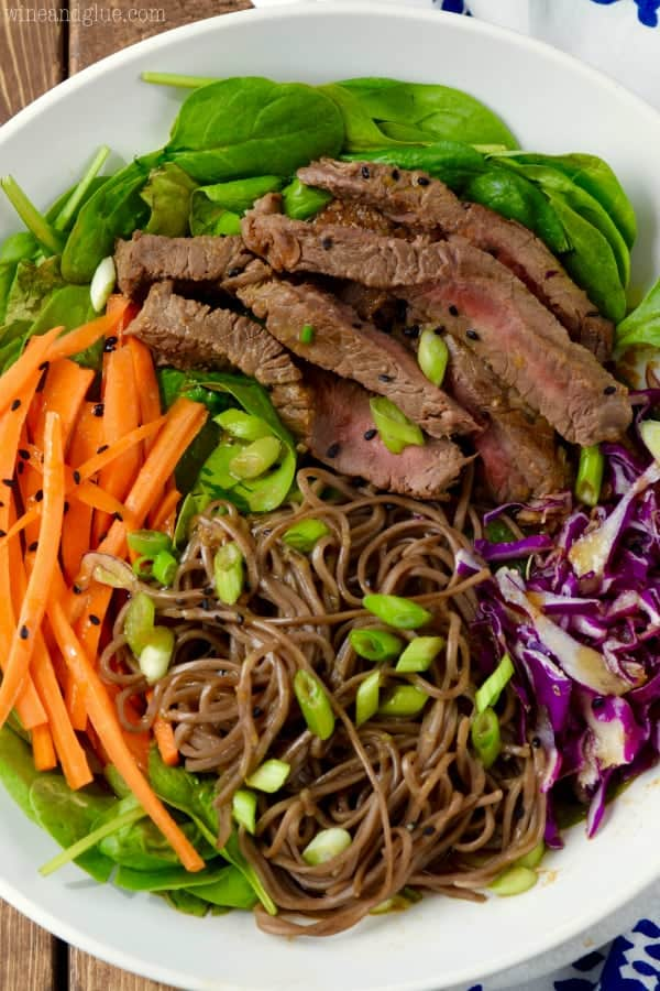 soba_noodle_steak_salad
