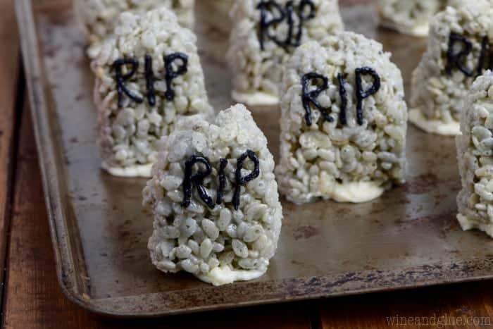 rice_krispies_graveyard_frosting