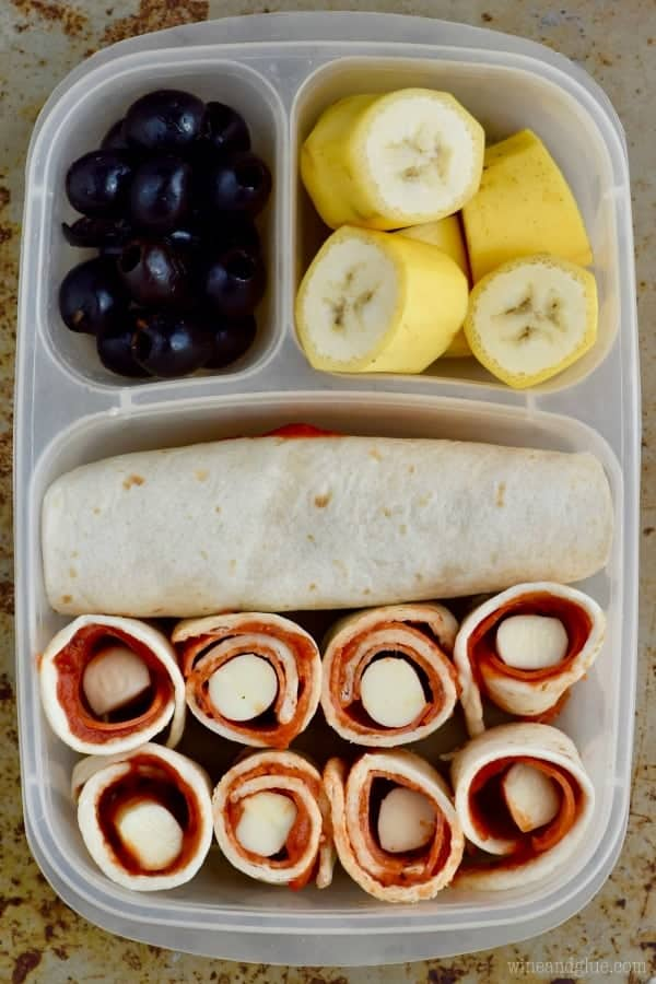 This easy Pizza Roll Up makes such an easy delicious lunch!