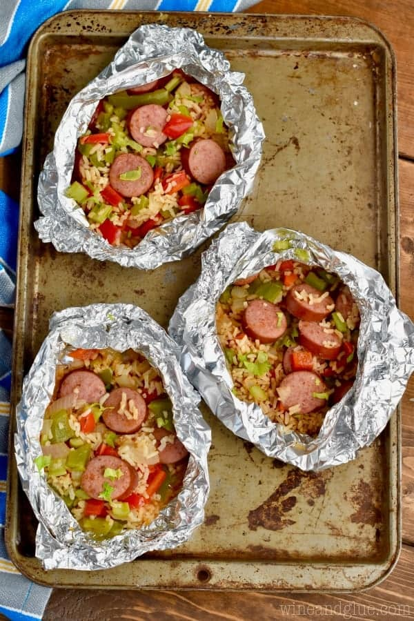 30 minutes start to finish, this Jambalaya Foil Packet Dinner Recipe is so delicious! Make it on the grill, make it in the oven, make it over and over!