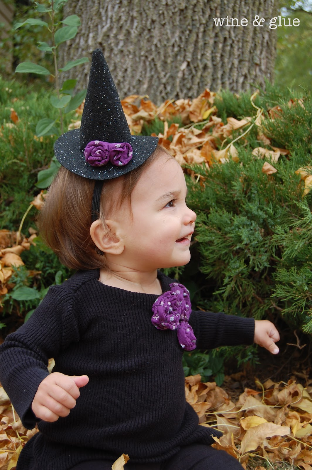 Cute Little Witch Costume Wine Glue