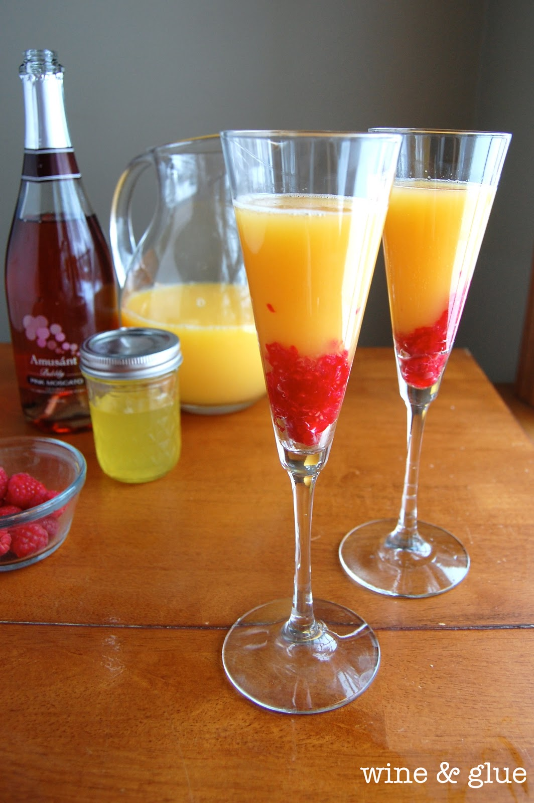 Sunrise mimosa wine glue for Cocktail mimosa