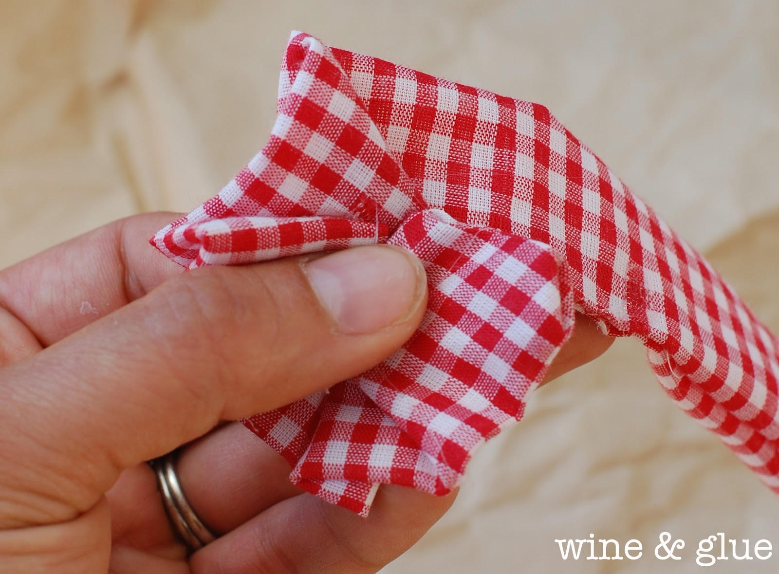 Easy No Sew Fabric Flowers Wine & Glue